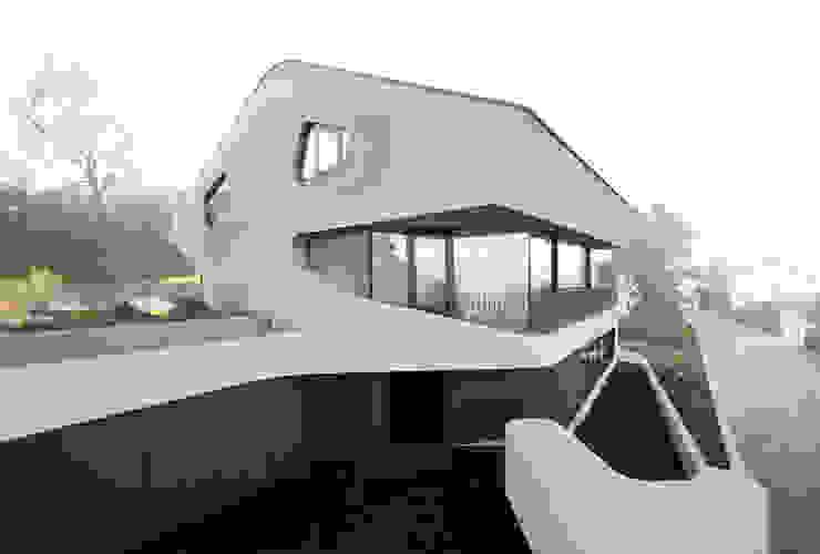 OLS HOUSE – new 4-person family home near Stuttgart Ausgefallene Häuser von J.MAYER.H Ausgefallen