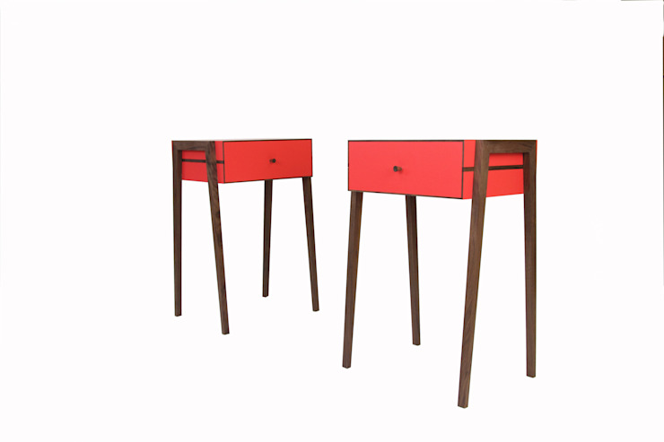 Animate Bedside Table in Red Formica and Walnut de Young & Norgate Moderno