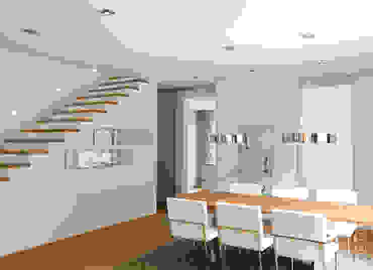 Ruang Keluarga Modern Oleh detailfein | fotografie und design Modern