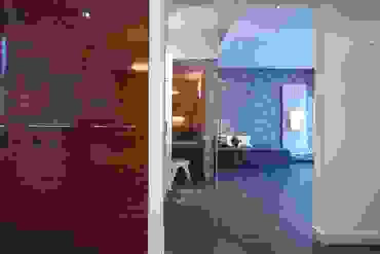 Bad mit Verbindung zum Saunaraum Moderne Badezimmer von Badkultur   Berlin Modern