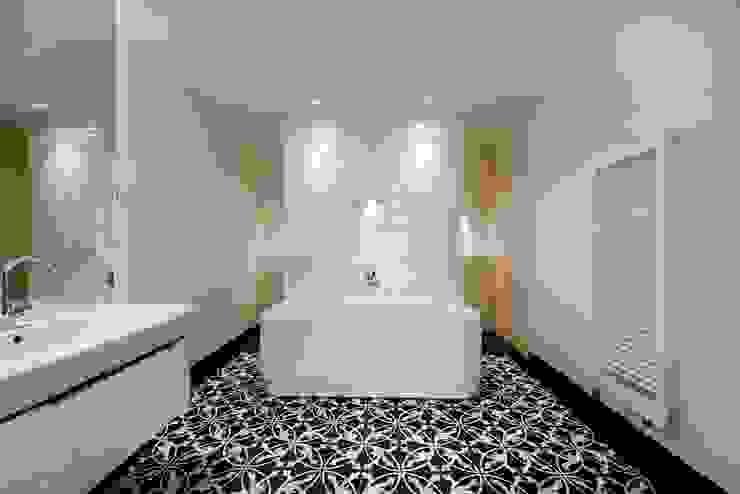 Badezimmer Asiatische Badezimmer von baustudio kastl Asiatisch