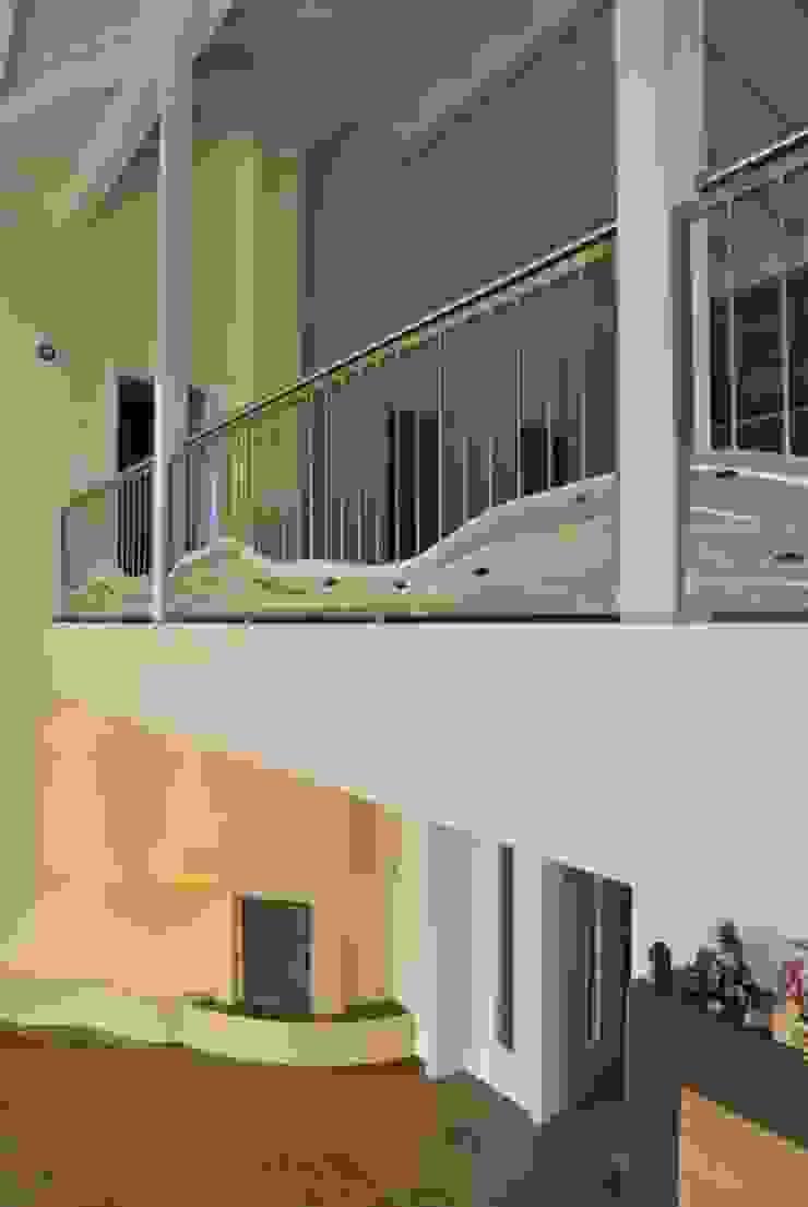 Modernes Edelstahlgeländer: modern  von Edelstahl Atelier Crouse:,Modern