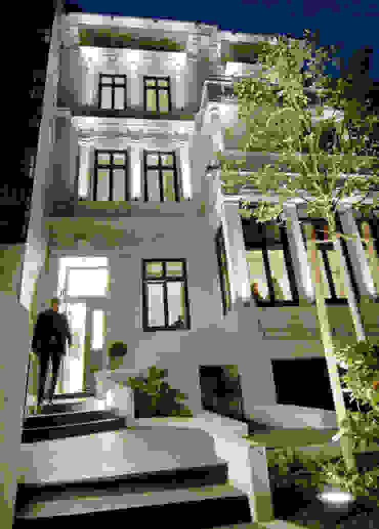 Lichtplanung & Lichtdesign von Andras Koos Architectural Interior Design Klassisch