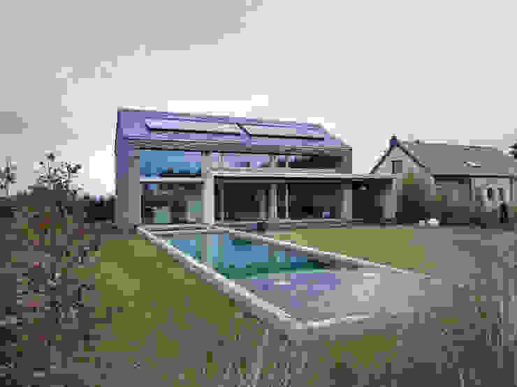 Martelange | Belgien LEICHT Küchen AG Moderne Pools