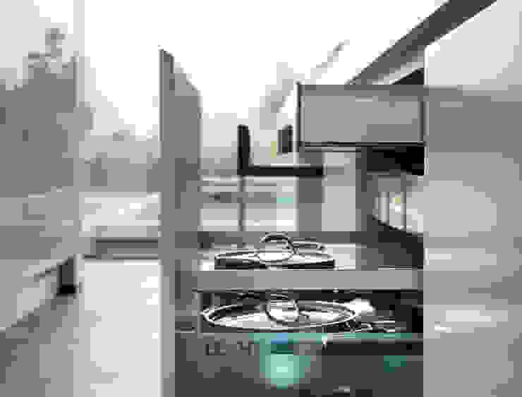 Martelange | Belgien LEICHT Küchen AG KücheSchränke und Regale