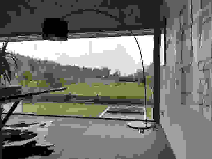 Martelange | Belgien LEICHT Küchen AG Moderne Wohnzimmer