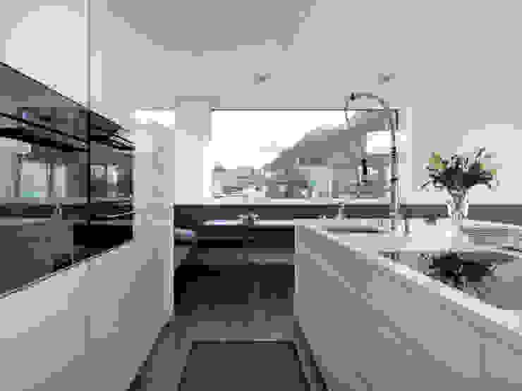 Cocinas modernas: Ideas, imágenes y decoración de LEICHT Küchen AG Moderno