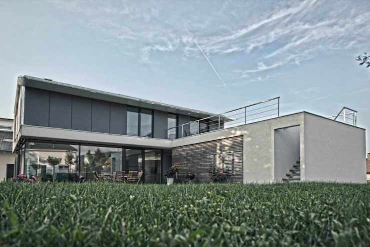 Einfamilienhaus KU09 vor der Alb Moderner Garten von Schiller Architektur BDA Modern