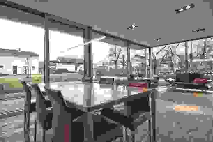 Einfamilienhaus KU09 vor der Alb Moderne Esszimmer von Schiller Architektur BDA Modern