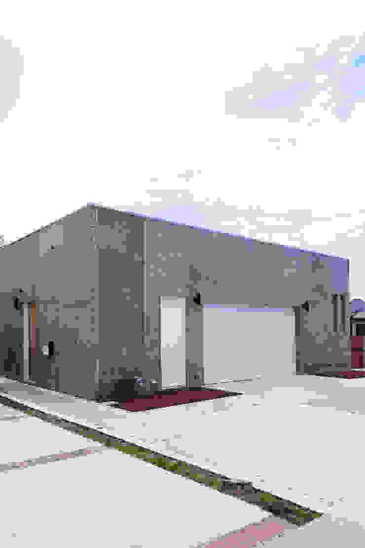 Kalifornien| USA Moderne Garagen & Schuppen von LEICHT Küchen AG Modern