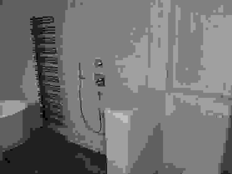 Bäder,Küchen und Böden in Beton Ciré: modern  von welschwalls.com,Modern