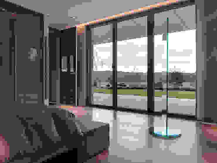 Modern style bedroom by LEICHT Küchen AG Modern
