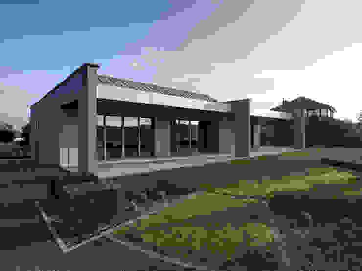 Hassel | Luxemburg Moderne Häuser von LEICHT Küchen AG Modern