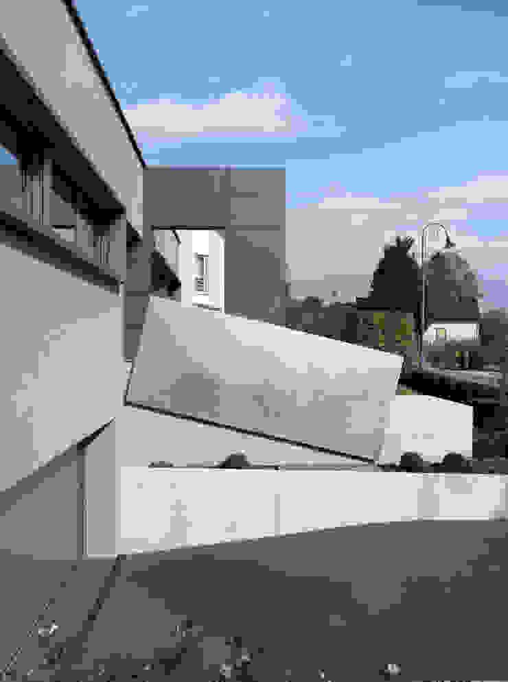 Hassel | Luxemburg LEICHT Küchen AG Moderne Garagen & Schuppen