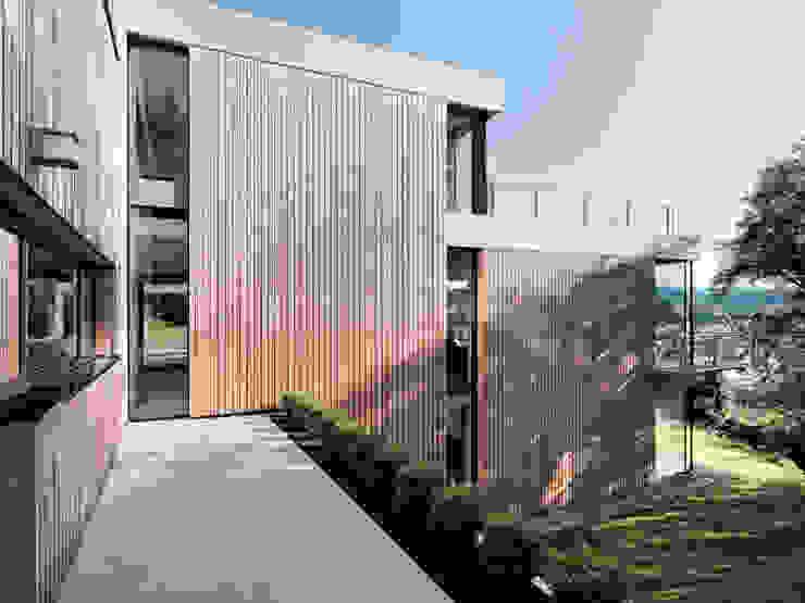 Waldenbuch | Deutschland Moderne Häuser von LEICHT Küchen AG Modern