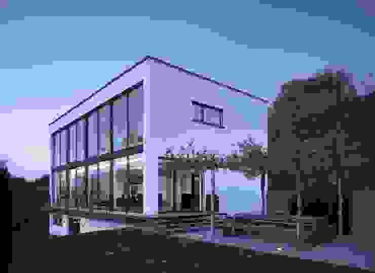 LEICHT Küchen AG Jardines de estilo moderno