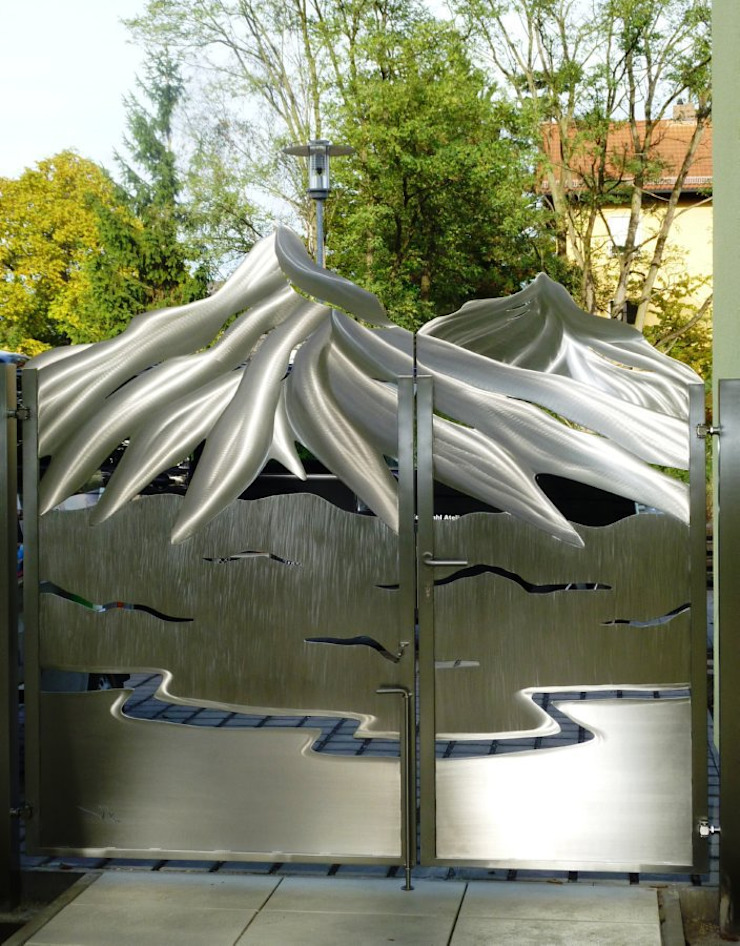 Stainless Steel Artistic Gates Eclectic style garden by Edelstahl Atelier Crouse: Eclectic