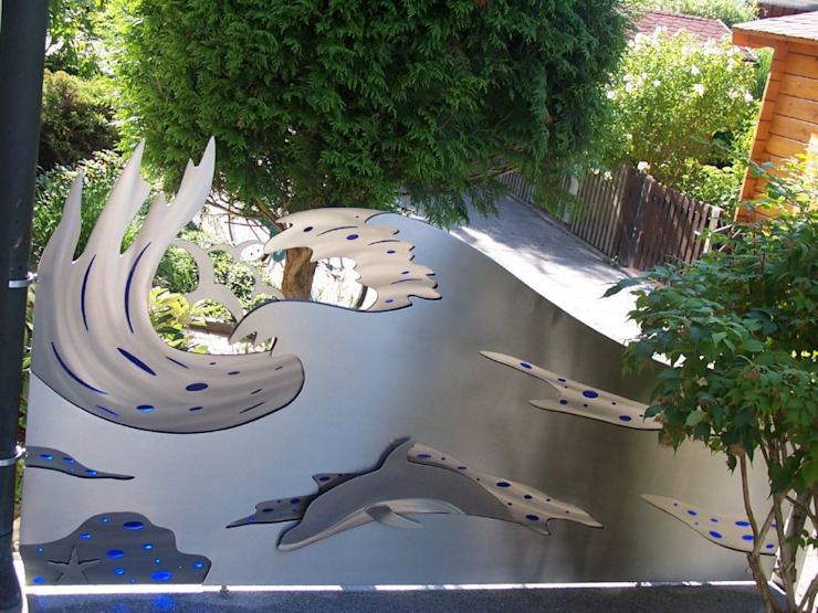 Stainless Steel Privacy Partitions. Modern garden by Edelstahl Atelier Crouse: Modern