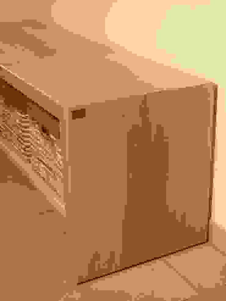 Schreinerei Deml GmbH Corridor, hallway & stairs Drawers & shelves