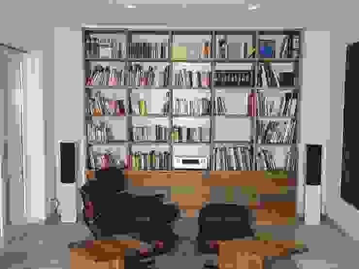 Living room by Schreinerei Deml GmbH