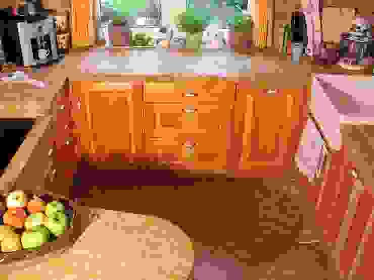 Schreinerei Deml GmbH KitchenCabinets & shelves