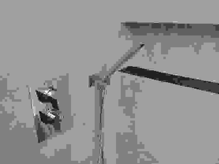 Wände mit Charakter BathroomBathtubs & showers