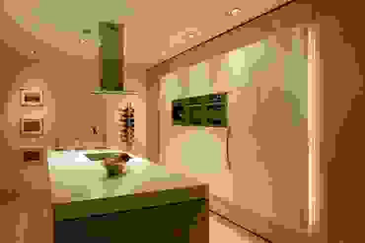 Cocinas modernas: Ideas, imágenes y decoración de ligthing & interior design Moderno