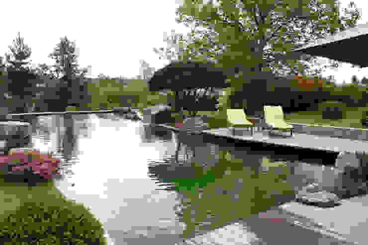 بركة مائية تنفيذ Kirchner Garten & Teich GmbH, حداثي