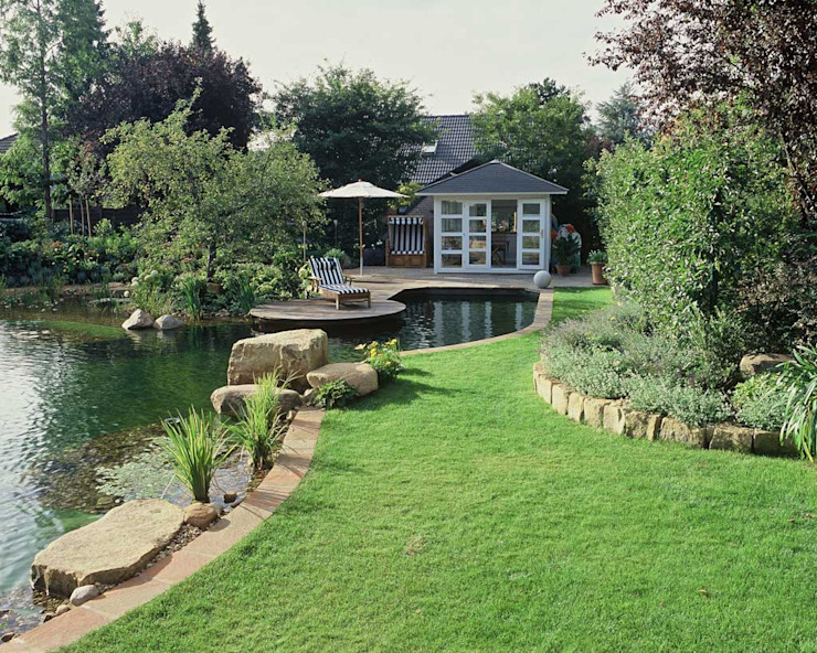Schwimmteich in Neustadt Moderner Garten von Kirchner Garten & Teich GmbH Modern