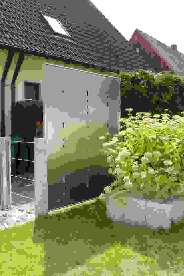 Edelstahl Sichtschutz من تنفيذ Edelstahl Atelier Crouse هوميفاي