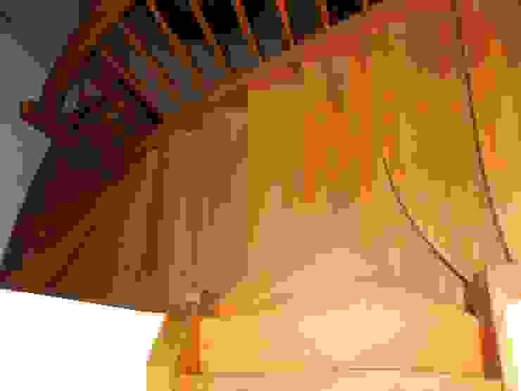 Y-Treppe: Spezielle Treppen von LIGNUM von Lignum Möbelmanufaktur GmbH Ausgefallen