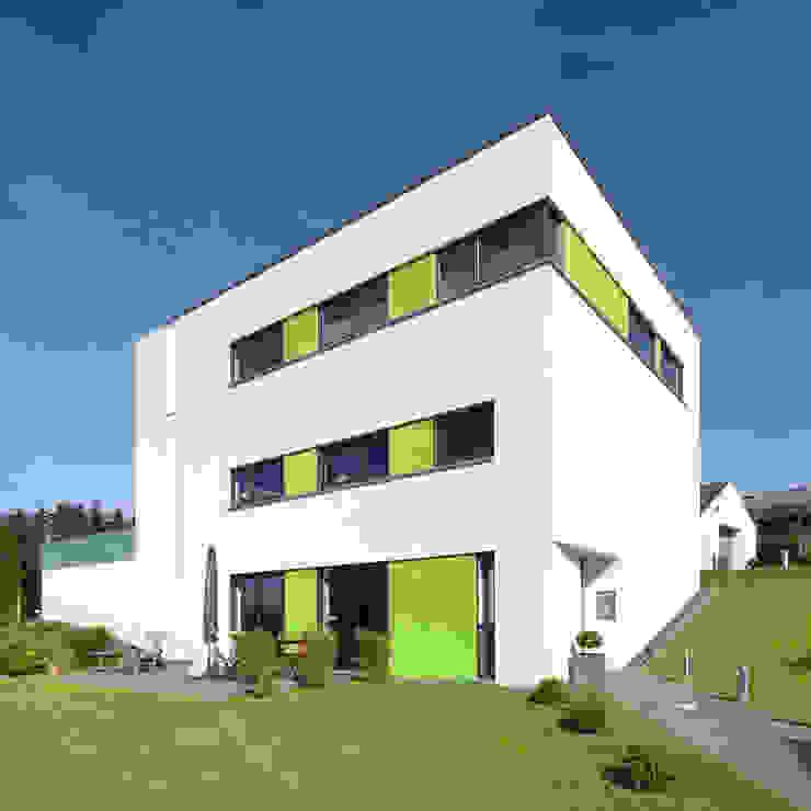 Einfamilienhaus M Moderne Häuser von kenchiku Modern