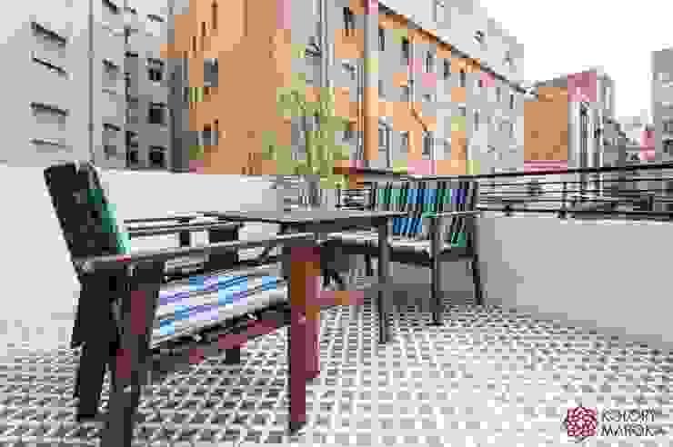 Aranżacje płytek cementowych w salach i na tarasach: styl , w kategorii Taras zaprojektowany przez Kolory Maroka,Śródziemnomorski