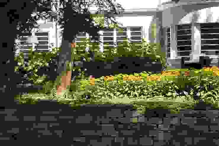 neuegaerten-gartenkunst Classic style garden