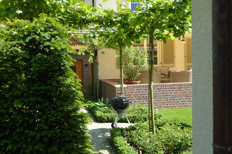 Urlaub im Garten Mediterraner Garten von neuegaerten-gartenkunst Mediterran