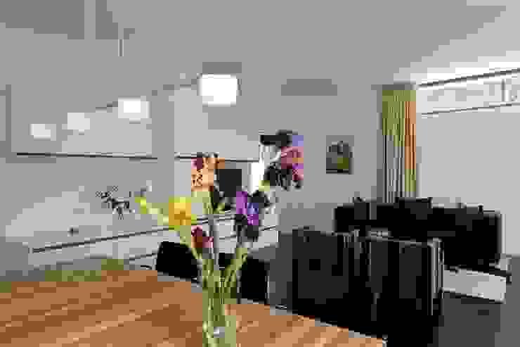 Family Home Cologne Klassische Wohnzimmer von Tatjana von Braun Interiors Klassisch