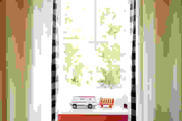 Family Home Bonn: modern  von Tatjana von Braun Interiors,Modern