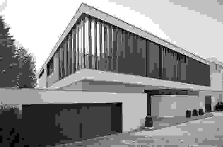 mit Schwung Moderne Häuser von homify Modern