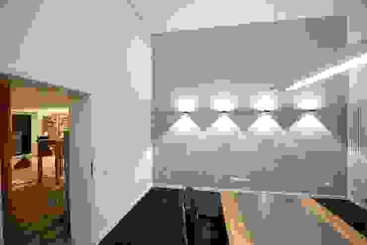 Estudios y despachos modernos de Wandkult Moderno