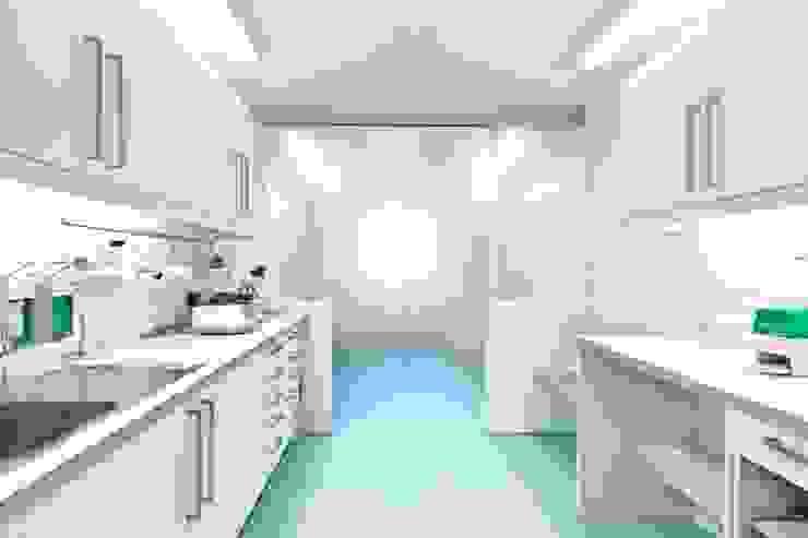 Labor Moderne Geschäftsräume & Stores von homify Modern