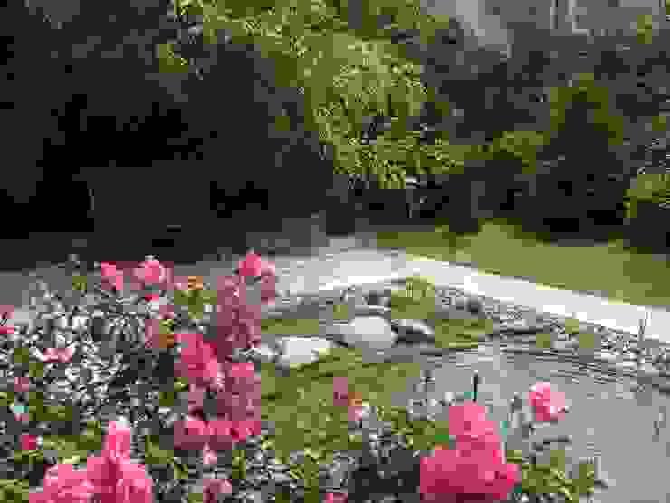 Nowoczesny ogród od Schönberg. Pflanzdesign Nowoczesny