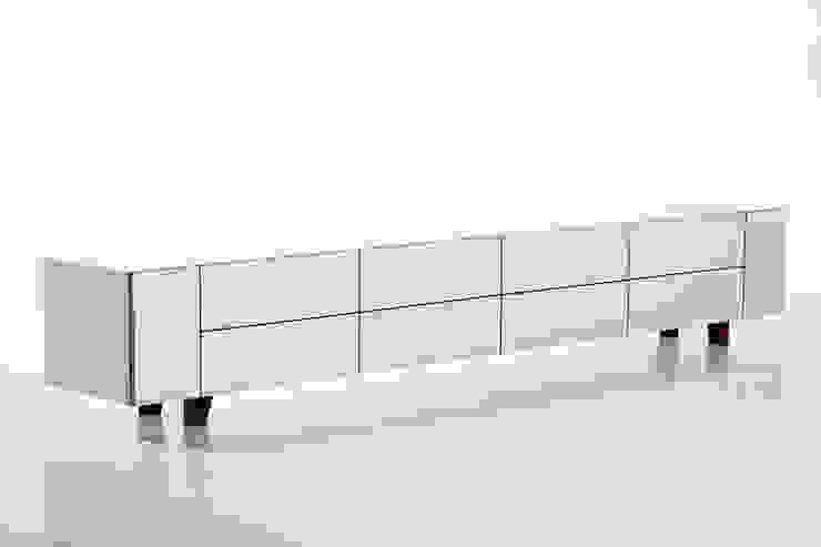 RD 05 Lowboard von Rohstoff Design Klassisch