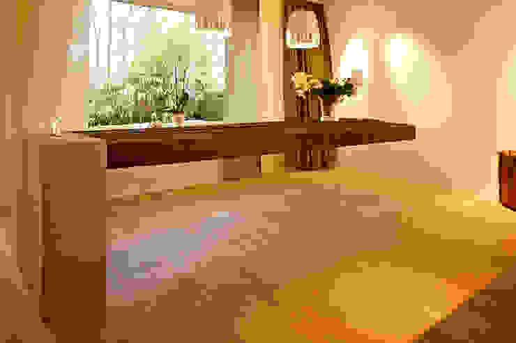 """""""flying table"""" - by Helm Design von Ihr Schreinermeister GmbH Ausgefallen"""