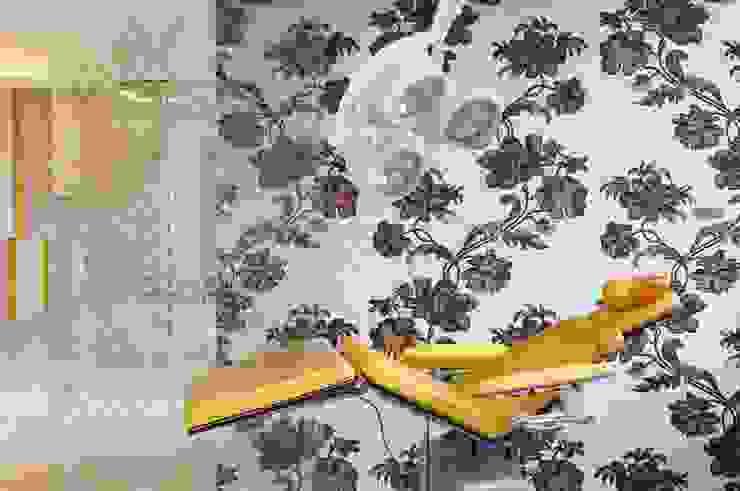 Glasmosaik Zahnarztpraxis Moderne Praxen von trend group Modern