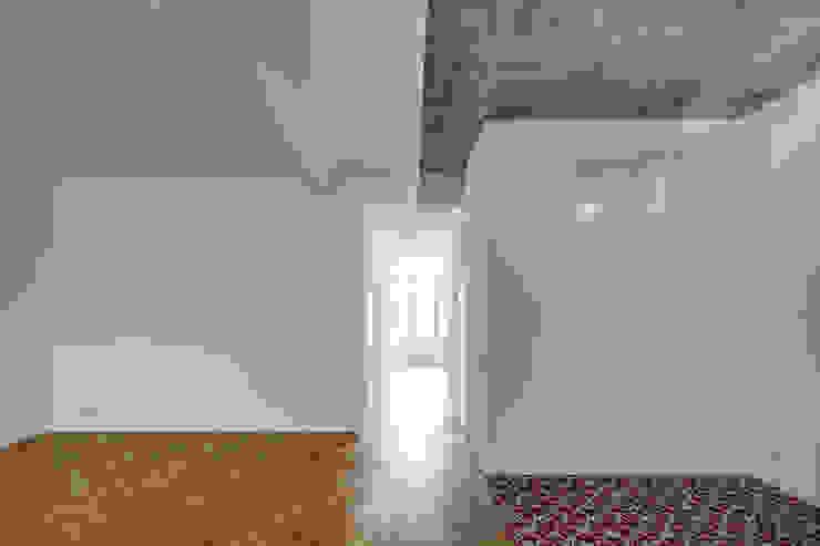 BOX 117 - Wohnküche marc benjamin drewes ARCHITEKTUREN Industriale Wohnzimmer