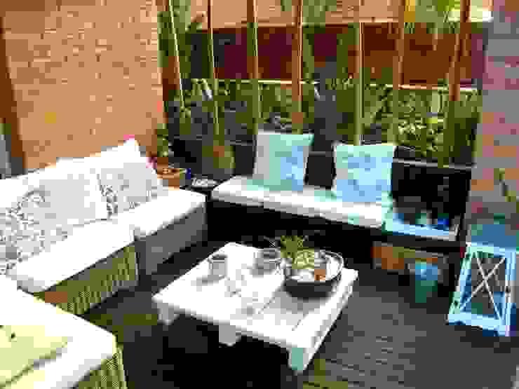 Jardines de estilo  por Simbiosi Estudi,