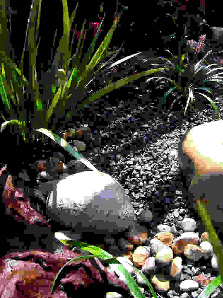 Sant Joan Despí Jardines de estilo moderno de Simbiosi Estudi Moderno