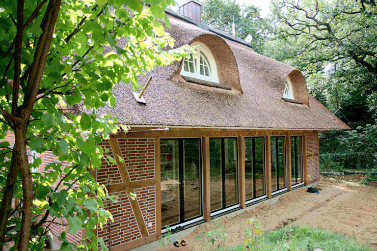 Дома в стиле модерн от Architektur- und Innenarchitekturbüro Bernd Lietzke Модерн