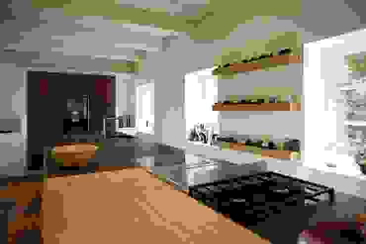 Modern kitchen by Architektur- und Innenarchitekturbüro Bernd Lietzke Modern