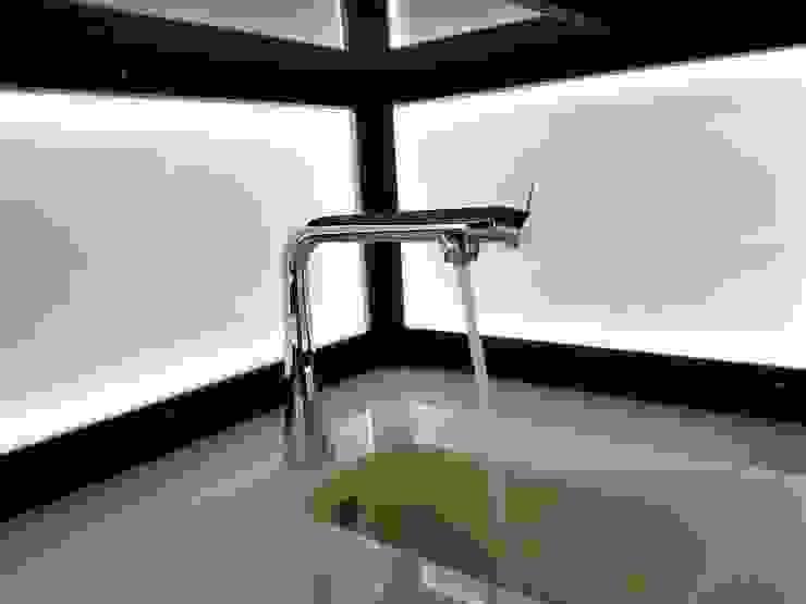 モダンな キッチン の Beate Hoos interior design モダン
